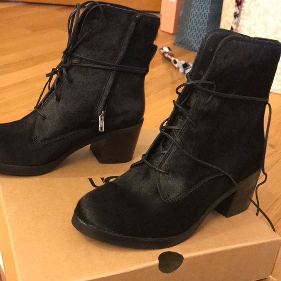c8bad5d5df3 UGG Oriana Exotic Boot - Size 9.5, Black NWT
